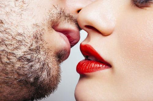 Como Besa cada Signo Zodiacal