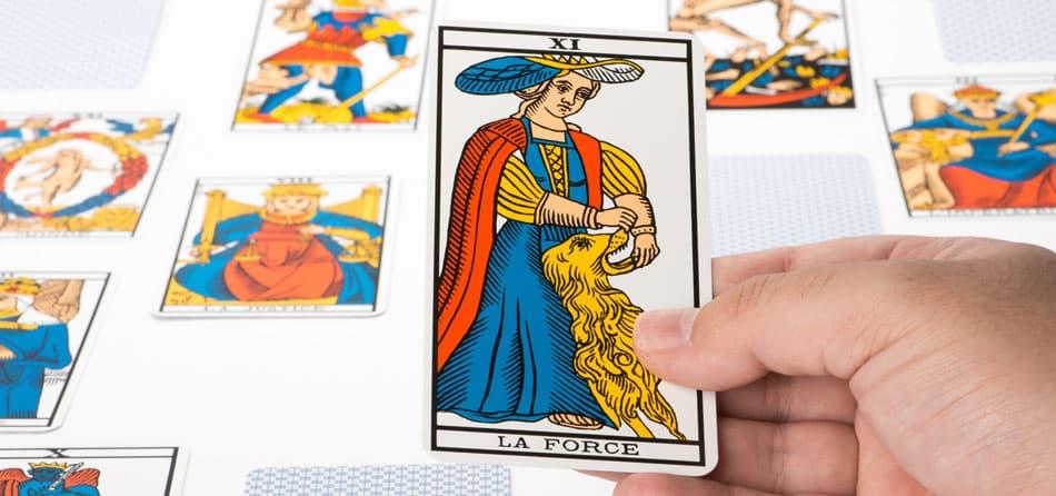 SIGNIFICADO DE LA CARTA DEL TAROT LA FUERZA